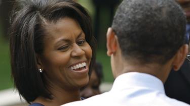McCains sorte guld. I Obama-lejren er man sig bevidst, at republikanernes fremhævelse af Michelle Obama som en vred, sort harpe kan være guld værd for dem.