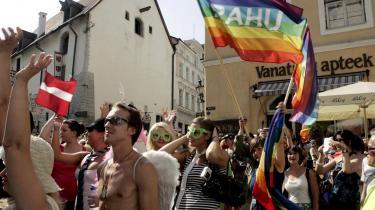 Da EU i 2004 fik 10 nye medlemmer, var mange af dem lande, hvor retten til forskellighed ikke var en kerneværdi i lovgivningen. I mange af disse lande ser vi udbredt diskrimination af homoseksuelle. Senest ved gaypride-paraden i Tallinn, 2007