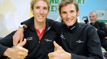 Som pot og pande. De fisker sammen, de går på jagt sammen, de bor nærmest sammen og så cykler de sammen. Brødrene Schleck er udråbt som Tour de Frances største håb. Fränk Schleck (th.) på 28 har resultater, erfaring og talent til en topplacering. Men det er den yngste, Andy på blot 23, som er blevet udnævnt til tourens store åbenbaring.