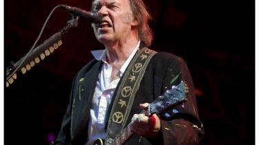 Neil Youngs guitarsoli strækker de mindre interessante sange i hans repertoire ud i kedsommeligheden, men hans sjæl glimter stadig, når den belyses af klassikerne.