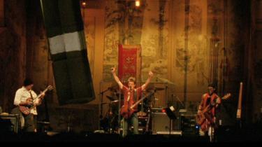 Julian Schnabels koncertfilm om den stærkt forsinkede uropførelse af Lou Reeds kontroversielle konceptalbum 'Berlin' er triumf og fiasko i bevægende forening