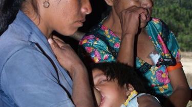 Vi hører sjældent om dem; Men me-phaa-indianerne er blandt Mexicos allerfattigeste. Ydermere dør hvert fjerde barn, inden det er fyldt seks år, og stammen chikaneres med vold og voldtægter af soldaterne i området.