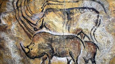 De 17.000 år gamle hulemalerier i Lascaux-hulerne trues nu af mug.