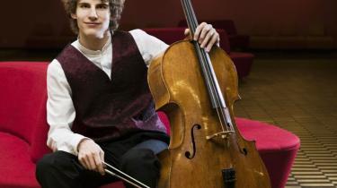-Jeg er begyndt at læse noderne grundigt, i stedet for bare at tage den på øret. Nu kan jeg blive helt opslugt af den forståelse af form og struktur, man kan læse sig til. Jeg føler, at jeg er ved at nå nyt niveau i min musikforståelse. At jeg kommer dybere ind i musikken-, siger cellisten Andreas Brantelid.