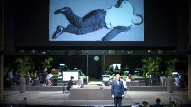 Mord følger mord i Shakespeares romerske tragedier på dette års Avignonfestival. Her er Coriolanus eviggjort i selve dødsøjeblikket.