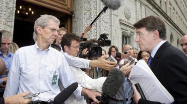 EU-s chefforhandler, Peter Mandelson (th.), der her ankommer til forhandlingerne, sagde, at det manglende Doha-resultat -rammer de mest sårbare i den globale økonomi uforholdsmæssigt hårdt-.