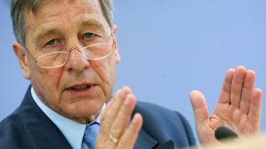 Den tidligere minister Wolfgang Clement er blevet gjort til syndebuk for SPD-s valgnederlag i Hessen. Han havde advaret om, at det ville gå ud over delstatens industri, hvis hans partifælle Andrea Ypsilanti fra SPD-s venstrefløj vandt valget.