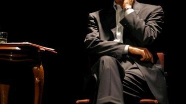 Mahmoud Darwish var både et nationalt ikon, der gav den palæstinensiske diaspora stemme, og en fri intellektuel, der ikke veg tilbage fra at kritisere korruption og dobbeltmoral i egne rækker.