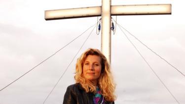Forfatterinden Dy Plambeck lader sig gerne inspirere af virkeligheden. Information tilbragte en dag på bibelcamping med en af den yngre forfattergenerations mest lovende talenter. Hun var taget af sted 'for at se, hvad der skete'