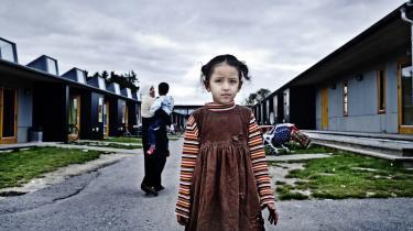 Siden 2006 er 68 procent af de asylbørn, der kommer til Danmark alene, forsvundet fra asylcentrene. Mange af dem forsvinder på grund af dårlig vejledning. På billedet ses en flygtningepige i Sandholmlejren.Arkiv