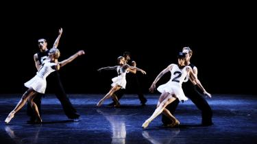 Danserne på Bellevue udgør et broget ensemble i år, hvor mændene klart tager føringen.