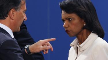 De to udenrigsministre Franco Frattini (Italien) og Condoleezza Rice (USA) diskuterede konflikten mellem Rusland og Georgien på NATO-mødet i Bruxelles i går.