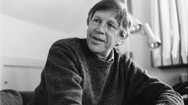 Forfatteren Tage Skou-Hansen fortæller nu for første gang om sit venskab med Ole Wivel - og om den mangel på fortrolighed, som venskabet viste sig at indeholde. Til stor sorg for Tage Skou-Hansen.