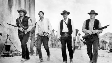 """""""Blodballet"""" døbte vittige sjæle den form for filmvold, Sam Peckinpah slap løs i Den vilde bande. Med sin spektakulære blanding af lynsnar klipning og langstrakte slowmotion ildkampe blev filmens kontroversielle actionscener revolutionerende i voldsæstetisk henseende"""