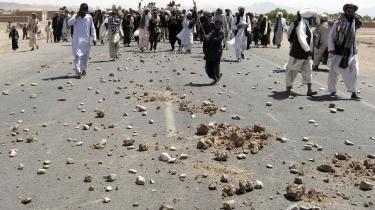 Lørdag var der demonstrationer mod USA i området omkring Azizabad, hvor mindst 89 civile ifølge de afghanske myndigheder blev dræbt i et amerikanskledet luftangreb.
