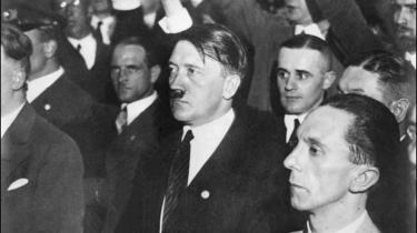 Uden Hitler havde de fleste nazi-topfolk måttet leve som de nuller, de overvejende var. Enkelte skilte sig ud, Goebbels (forrest i billedet) måske især, fordi hans begavelse, destruktiv og dæmonisk som bare fanden, var uomtvistelig.