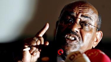 På anklagebænken. Arrestordren mod Sudans leder, Omar Hassan al-Bashir, får ingen praktiske konsekvenser. Det skulle da lige være at udstille Den Internationale Straffedomstols svagheder.