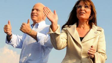 Vicepræsidentkandidat Sarah Palin er kommet i søgelyset på grund sin 17-årige datters graviditet. Det er den seneste af en række ubehagelige sager, som kan ende med at stille spørgsmålstegn ved McCains dømmekraft