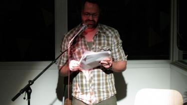 Poesien er blevet tvunget ud af byen og helt ud til Valby