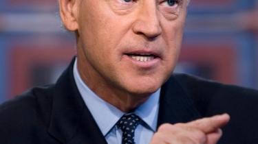 Mange demokrater er blevet usikre på, om Joe Biden er den mest effektive makker for Obama. Clinton kunne have neutraliseret Palin