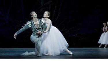 Nehemiah Kish og Silja Schandorff i -Giselle-.