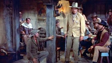 De vittige replikker fyger mellem John Waynes stoute sherif John Chance og Angie Dickinsons smækre kortspillerske Feathers i denne børnevenlige screwball-western af Howard Hawks, der ikke mindst handler om venskaber.