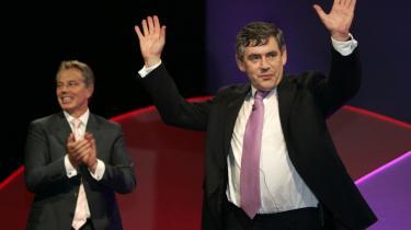 Der er ikke noget at juble ad. En ny dag er brudt frem, sagde Tony Blair hin maj-morgen i 1997, mens solen stod op, og greb dermed stafetten fra tidligere tiders revolutioner. Nytiltrådte New Labour lovede frihed, fred og fordragelighed, men mest af alt blev New Labour en lovmaskine, der bureaukratiserede alt i hidtil uset grad, og som gjorde kreativitet til kassetænkning. I dag er de intellektuelle flygtet, og nuværende premierminister Gordon Brown er blevet opfordret til at gå af.