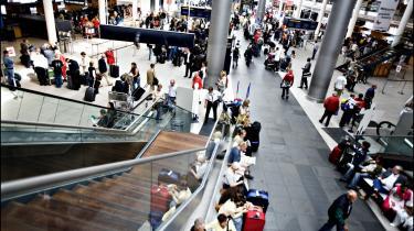 Det har været svært at se fordelene for almindelige forbrugere og for det øvrige erhvervsliv ved privatiseringen af Københavns Lufthavn, skriver Henrik Herløv Lund.