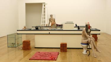Vinderen af årets Turner pris offentliggøres den 1. december. Blandt de nominerede er Cathy Wilkes, der står bag denne installation på Tate Britain i London.
