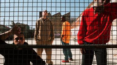 'I gadekulturen kan man finde andre måder at blive en mand på. Man kan udføre alternative manddomsprøver, man kan demonstrere, at man behersker kvinder eller man kan skræmme medlemmer af den dominante kultur,' siger udviklingsforsker Steffen Jensen om sin nye bog 'Gangs, Politics and Dignity in Cape Town'.