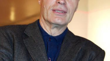 Den franske forfatter Jean-Marie Gustave Le Clézio er årets overraskende modtager af Nobelprisen i Litteratur