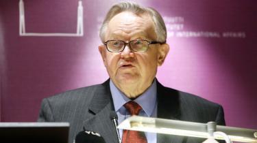 Den tidligere finske præsident Martti Ahtisaari får Nobels Fredspris for sin mangeårige indsats som mægler i internationale konflikter