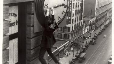 Stumfilmkomikeren Harold Lloyd er måske ikke lige så berømt i dag som Chaplin og Keaton, men hans film er lige så morsomme, opfindsomme og holdbare som deres