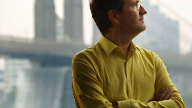 Olafur Eliasson måtte kæmpe mod det kommercielle i forbindelse med installationen -The New York City Waterfalls-.