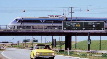Grundfos-formand Niels Due Jensen forstår ikke Venstres modstand mod at etablere en dansk højhastighedsforbindelse for tog, som vil kunne lukke hullet mellem Sverige og Tyskland og dermed forbinde Europa og lokke flere fra bilerne over i toget.