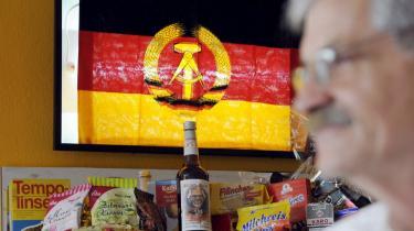 Nostalgien efter DDR-tiden kommer til udtryk på mange måder i Tyskland - her i restauranten Zur Firma i Berlin.