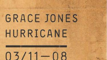 """Pleased to meet you, pleased to have you on my plate"". Grace Jones' stemme er omgående genkendelig. Som en liflig trussel, som et dunkelt tilbud"