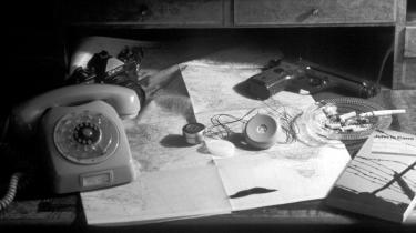 Hans Davidsen-Nielsen giver sit bud på den Kolde Krigs Danmarkshistorie gennem en seriøs og velskrevet fortælling om arbejdet inden for murene af den mest hemmelige af de danske efterretningstjenester, FE, fra 1945-90