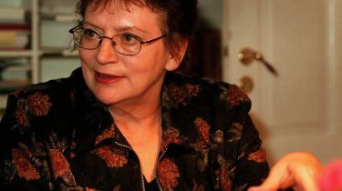 -Jeg har i 30 år arbejdet for, at en teaterdirektør ikke sidder mere end 10 år i den samme stilling. Det synes jeg er i hele teatermiljøets interesse-, siger Litten Hansen, bestyrelsesformand på Kaleidoskop.
