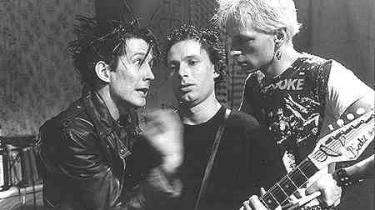 For 15 år siden var Søren Fauli og Bo Hr. Hansens novellefilmsatire over 1980'ernes punkmiljø i København et af flere tidlige tegn på, at dansk film var ved at få røven med sig