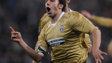 10-er. Del Piero er ikke ung som en Ramos, naiv som en Drenthe eller oksestærk som Juves enlige front, Amauri; men den 34-årige trequartista bliver bare ved.