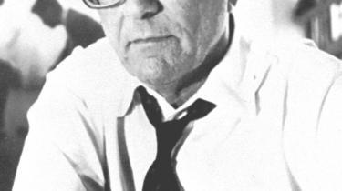 Forbillede. Seymour Hersh en legende og et ikon for alle, der beskæftiger sig med undersøgende journalistik. På grund af sin faglige dygtighed. Sit mod. Og sin eksemplariske holdning til journalistikkens rolle, som den helt nødvendige fjerde magt.