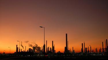 Olien kan stige til 200 dollar og den globale temperatur med seks grader, advarer ny rapport