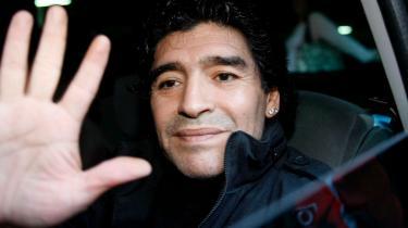 Der er folkelig skepsis over udnævnelsen af Maradona til landstræner for kriseramte Argentina - men den tidligere spiller Osvaldo Ardiles tror på sin gamle kollega