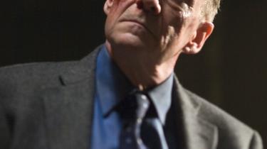 /b> Jepser Christensen som superskurk i 'Quantum of Solace'. Er det ikke lidt betænkeligt at danske skuespillere er ved at blive standard-inventar i Bond-film? Er vi ved at blive en ny tids tyskere?
