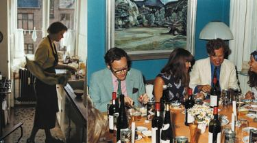 Inge og Klaus Rifbjerg har sammen skrevet kogebogen 'Vores mange køkkener'. Er det i virkeligheden hans måde at sige undskyld på?