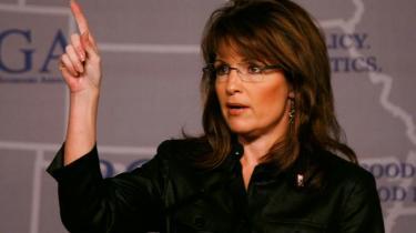 Alaskas guvernør, Sarah Palin, under sin tale i Florida forleden ved Republican Governors Association - konferencen for republikanske guvernører. Mange moderate republikanere giver hendes skylden for partiets krise.