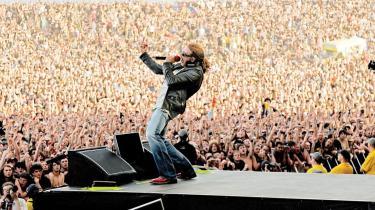 Axl Rose har fået god plads på Guns N- Roses-albummet -Chinese Democracy-, der har været 15 år undervejs. Et overordentligt rodet album, der dog har sine momenter.