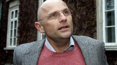 Henrik Qvortrup kan godt forstå, at hans kommende arbejdsgiver, TV 2, afholdt sig fra at bruge ham som politisk kommentator under valgkampen sidste år, hvor Qvortrup havde hvirvlet sig selv og Se & Hør ind i sagen om Naser Khaders hegn.