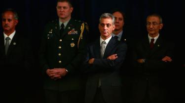 USA's næste præsident lægger en ny udenrigspolitisk kurs, der opprioriterer bløde magtmidler som diplomati og udviklingsbistand og nedprioriteter militær magt som konfliktløsning
